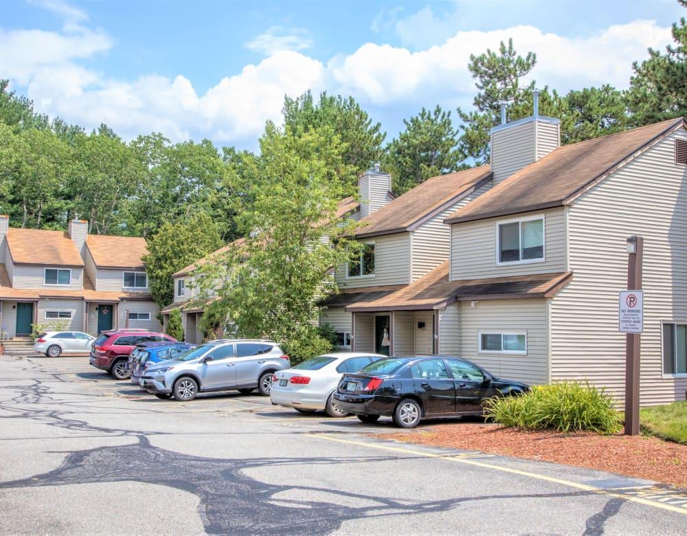Exterior view of housing at Eagle Rock Apartments at Nashua in Nashua, New Hampshire