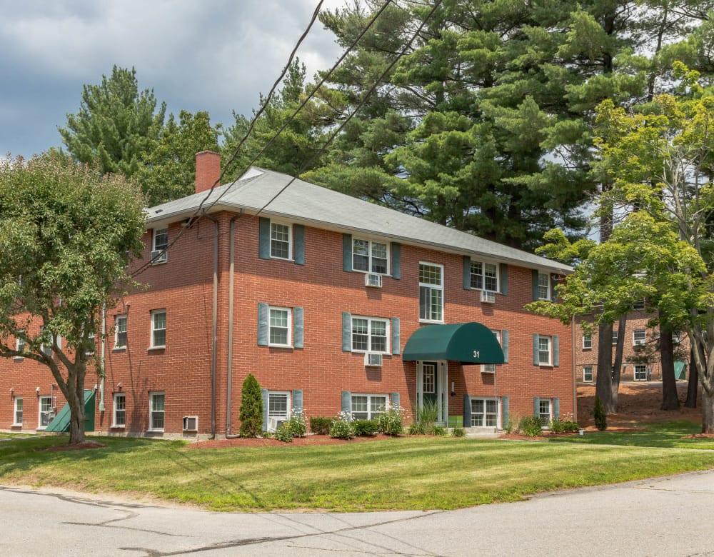 Street view of renovated apartments at Eagle Rock Apartments at Nashua in Nashua, New Hampshire