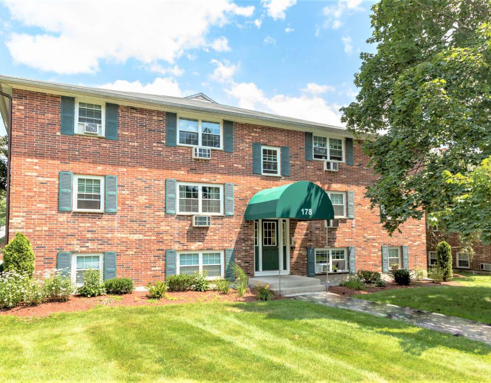 Beautiful brick exterior of housing at Eagle Rock Apartments at Nashua in Nashua, New Hampshire
