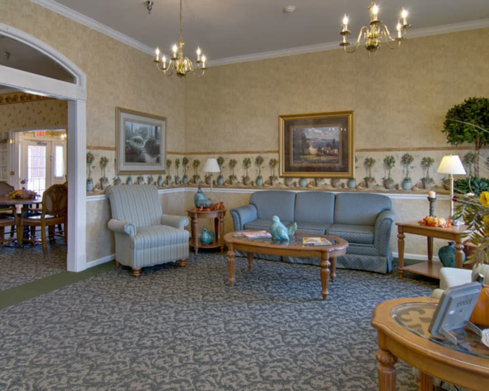 Lounge at Teal Lake Senior Living in Mexico, Missouri