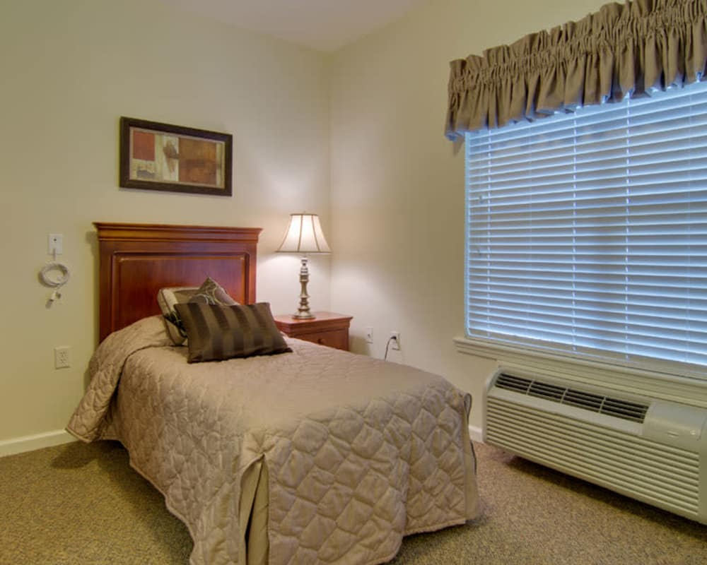 Parkway Gardens Senior Living in Fairview Heights, Illinois offers bedroom floor plans