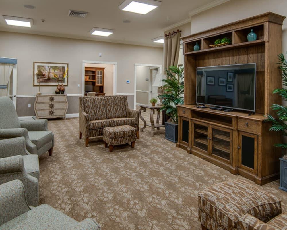 Senior Living Lounge at Adams Pointe Senior Living in Quincy, Illinois