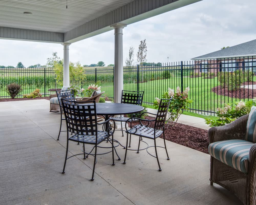 Outdoor Dining area at Adams Pointe Senior Living in Quincy, Illinois