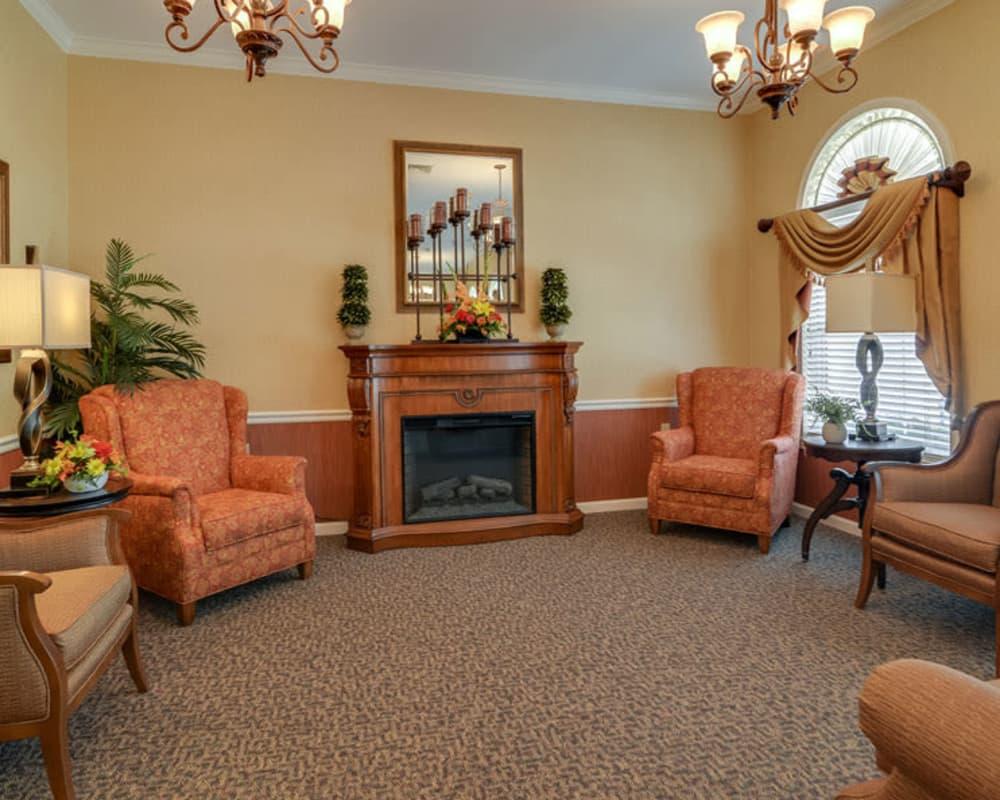 Cozy lounge area at Westbrook Terrace Senior Living in Jefferson City, Missouri