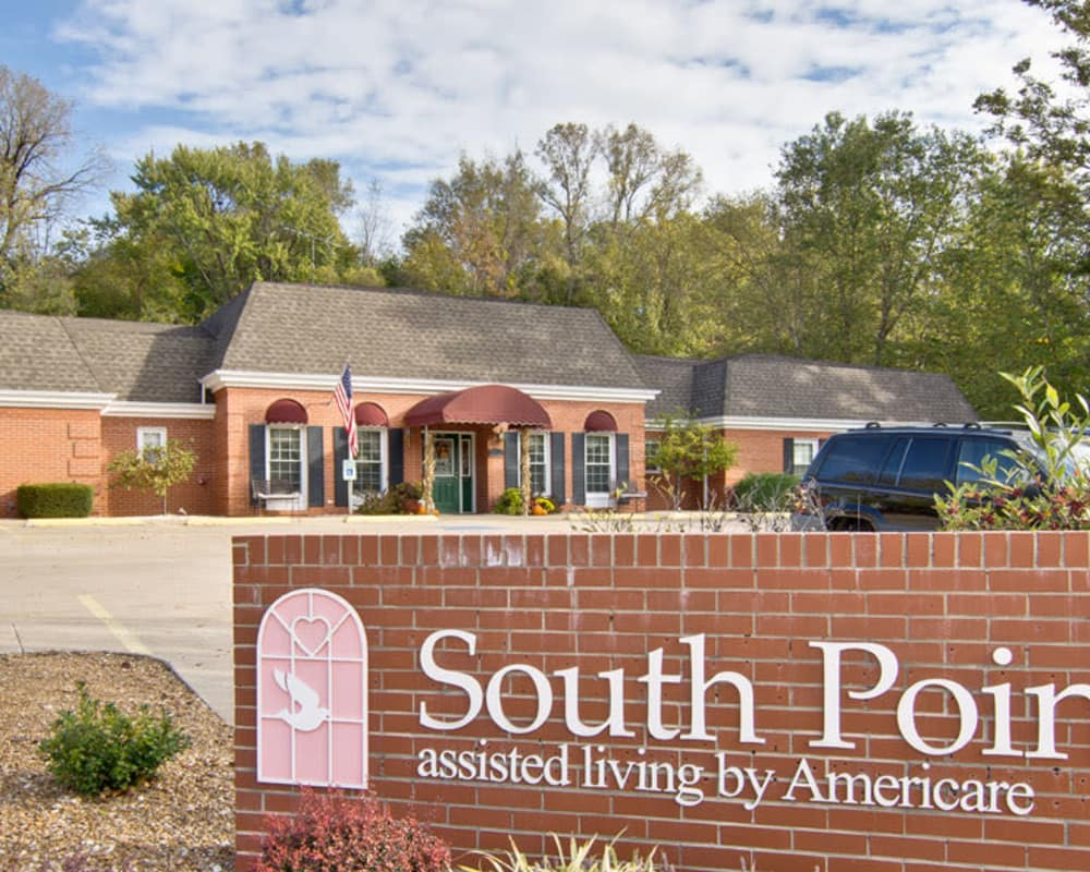 Front entrance at South Pointe Senior Living in Washington, Missouri