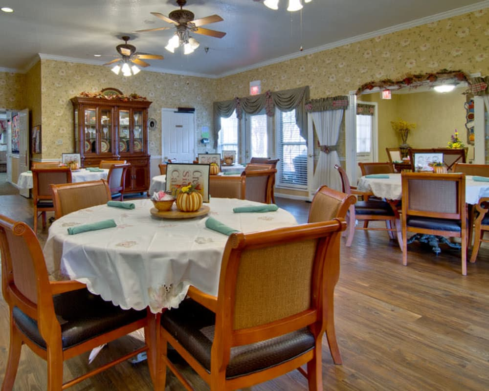 Well decorated dining area table at Silver Creek Senior Living in Joplin, Missouri