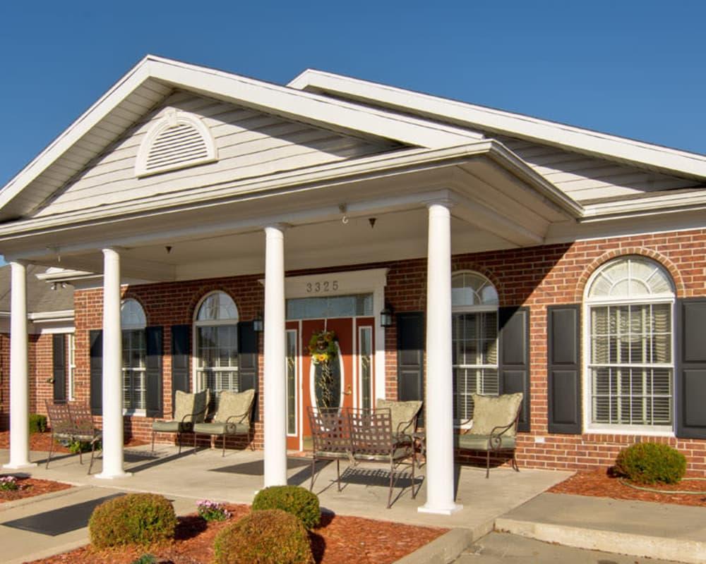 Front entrance at Silver Creek Senior Living in Joplin, Missouri
