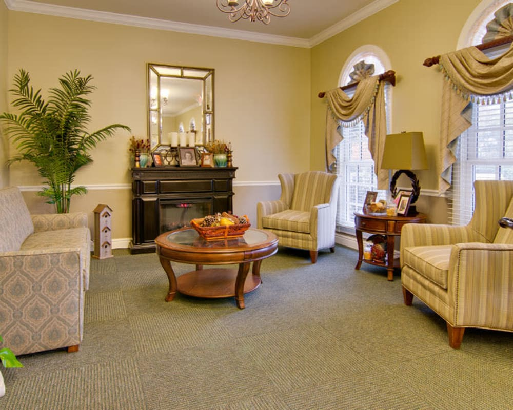 Cozy lounge area at Schilling Gardens Senior Living in Collierville, Tennessee