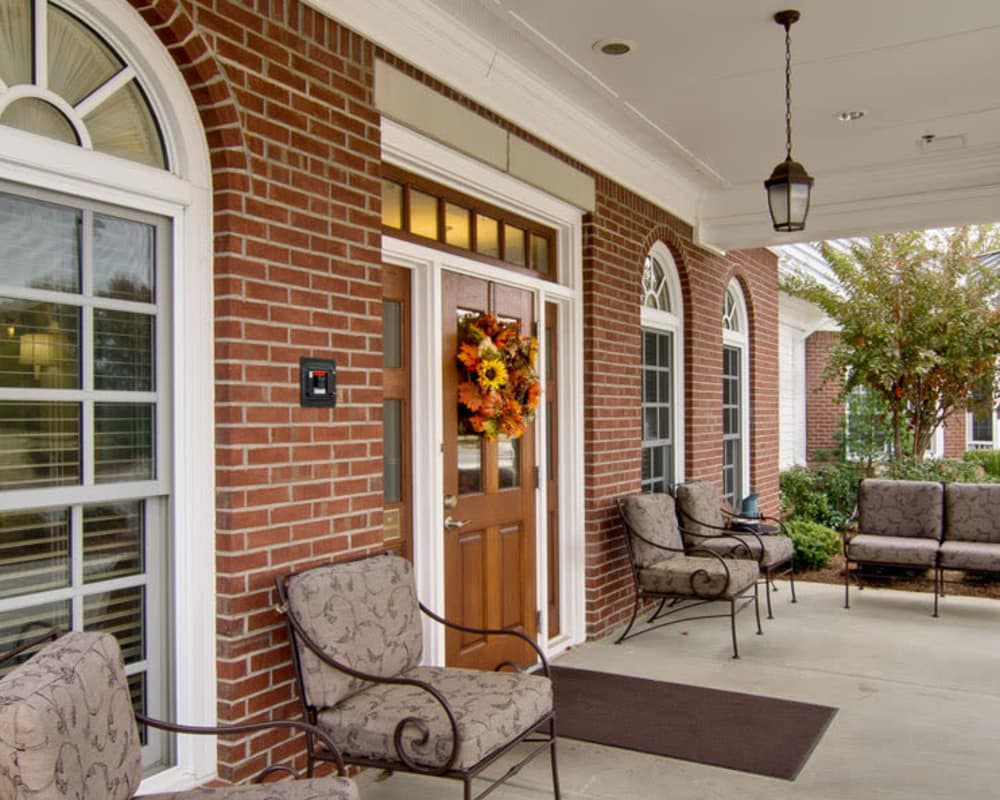 Front entrance at Schilling Gardens Senior Living in Collierville, Tennessee