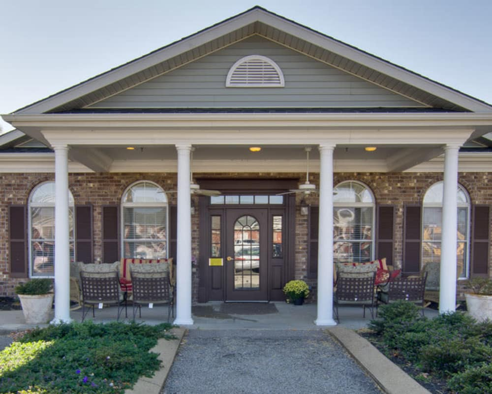 Front entrance at Etheridge House Senior Living in Union City, Tennessee