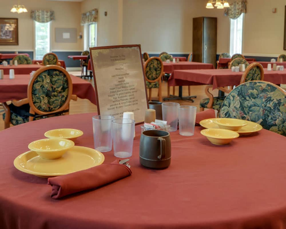 Well decorated dining area table at Birch Tree Place in Birch Tree, Missouri