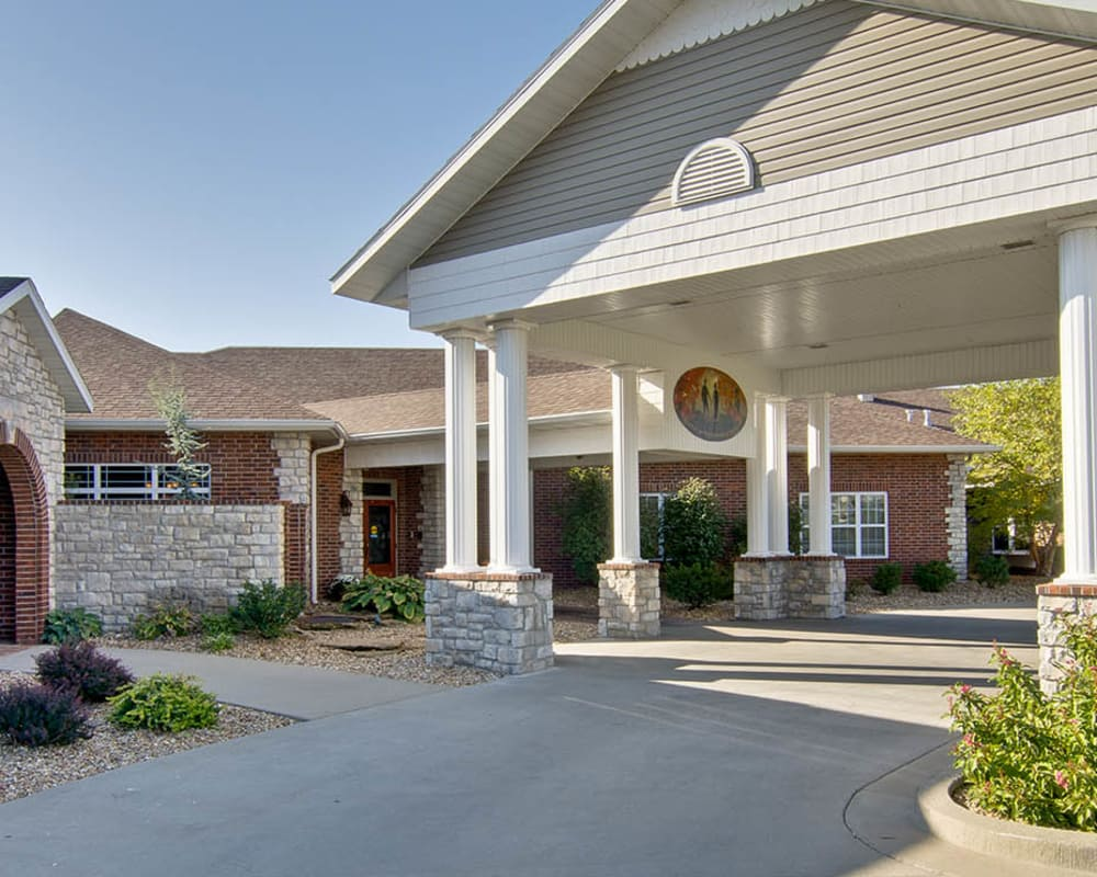 Front entrance at The Neighborhoods at Quail Creek in Springfield, Missouri
