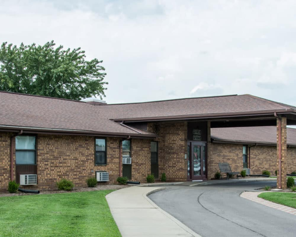 Front entrance at Chaffee Nursing Center in Chaffee, Missouri