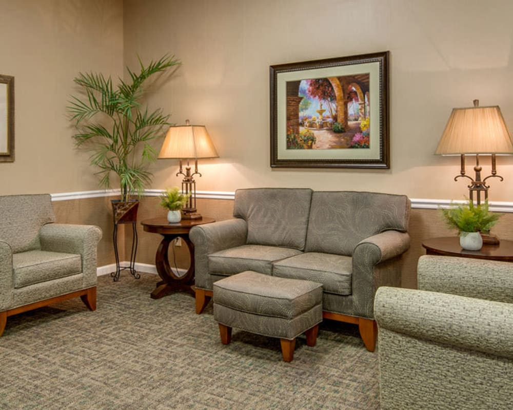 Cozy lounge area at Riverview Terrace in McMinnville, Tennessee