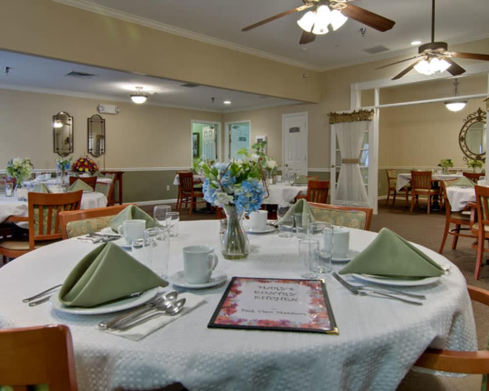 Well decorated dining area table at Park View Meadows in Murfreesboro, Tennessee
