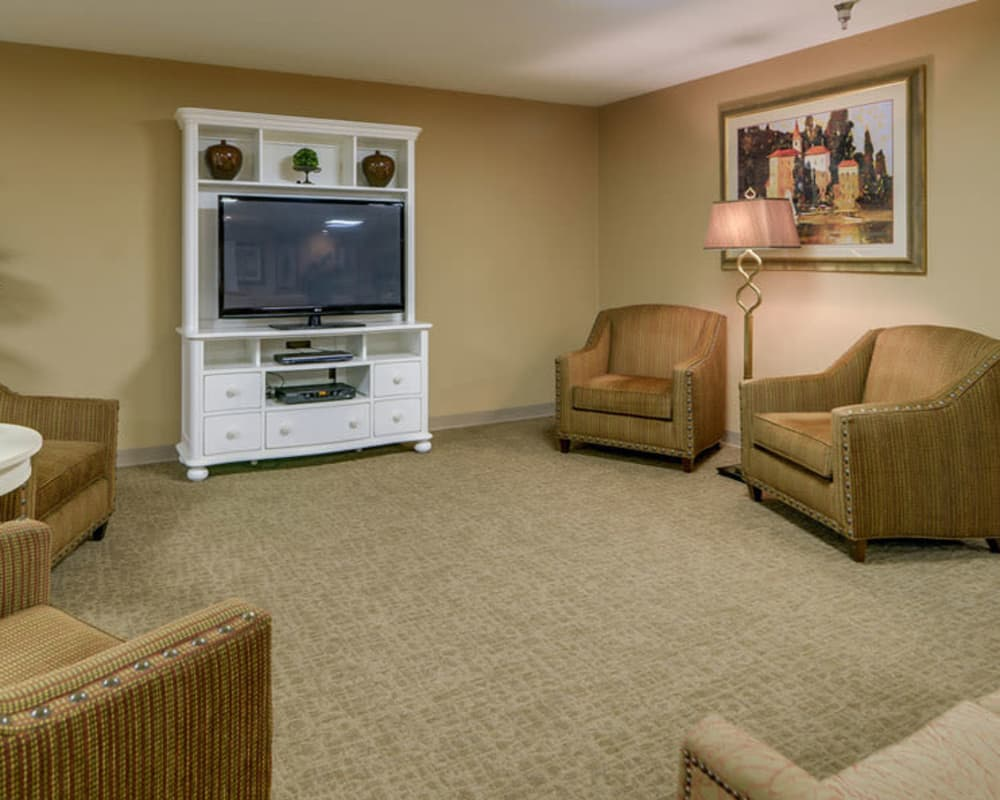 Cozy entertainment area at Ashbrook in Farmington, Missouri