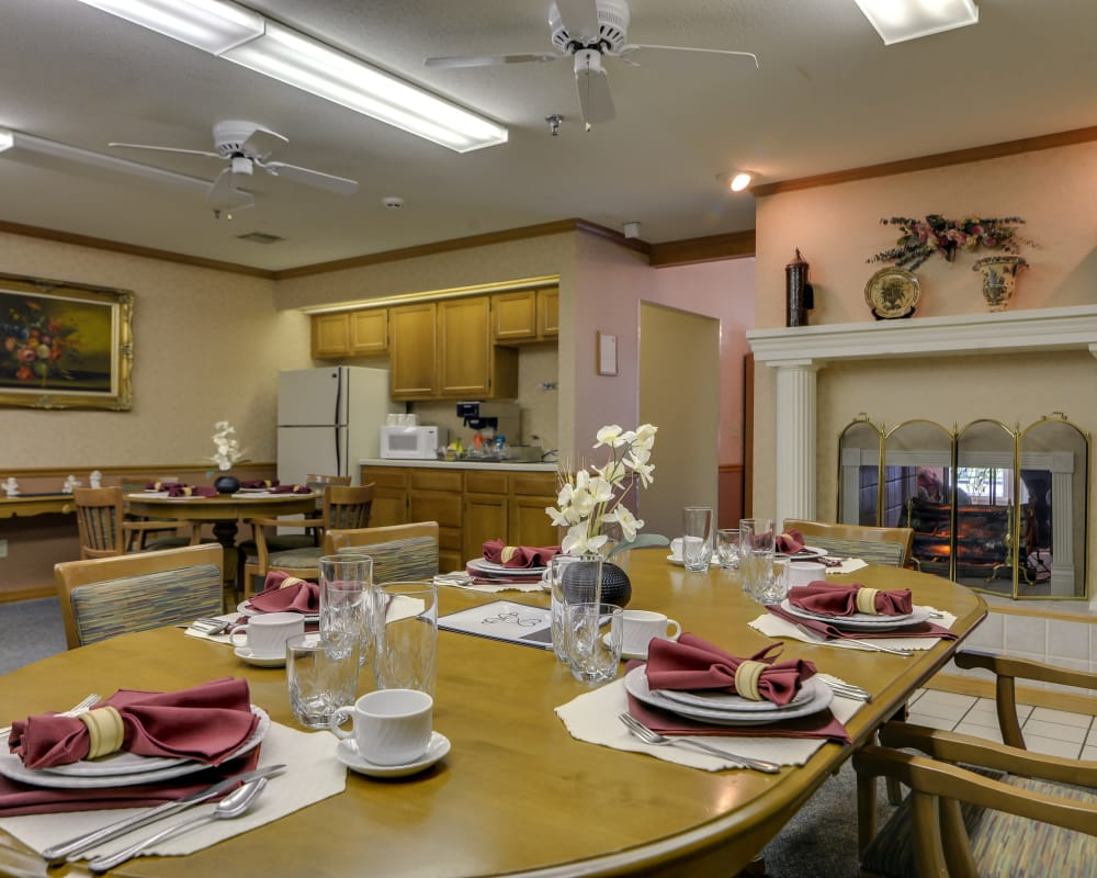 Well decorated dining area table at Oswego Home Place in Oswego, Kansas
