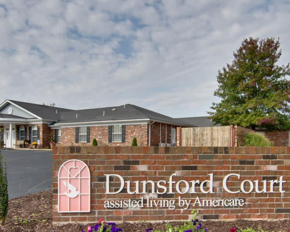 Main sign at Dunsford Court in Sullivan, Missouri
