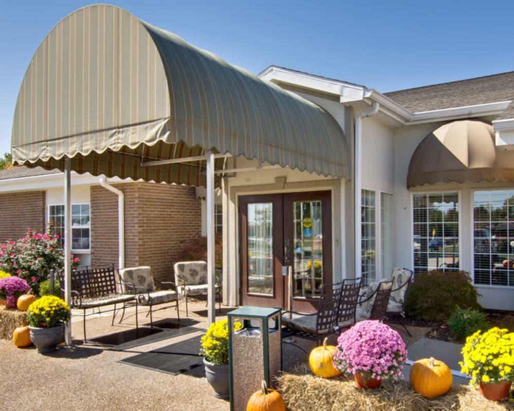 Front entrance at Ashland Villa in Ashland, Missouri