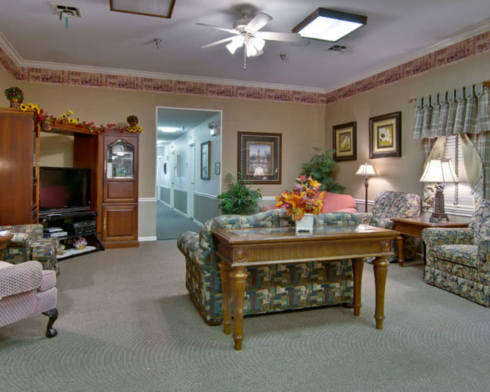Cozy entertainment area at Willow Brooke in Union, Missouri