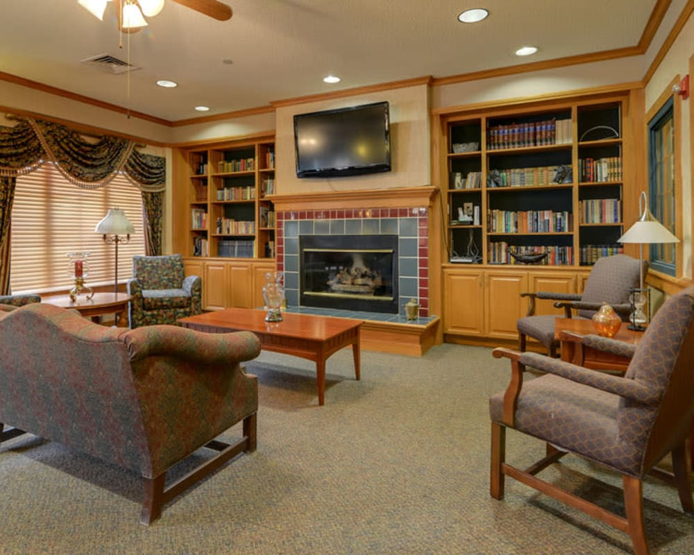 Cozy entertainment area at River Bend in Great Bend, Kansas
