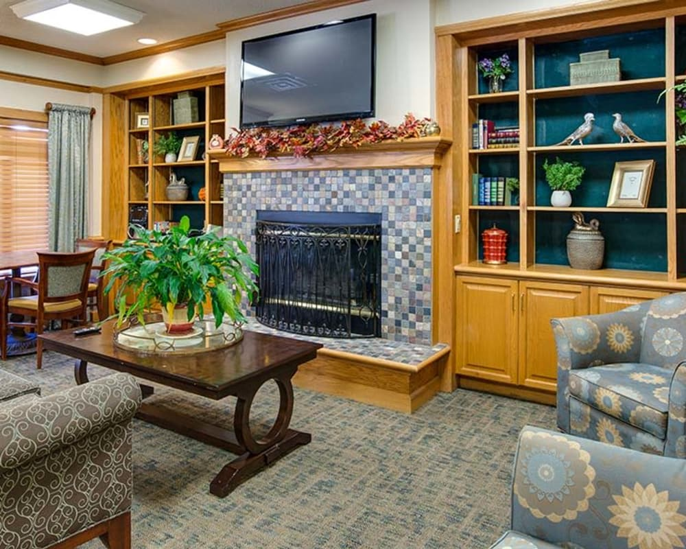 Common room at Waldron Place Senior Living in Hutchinson, Kansas