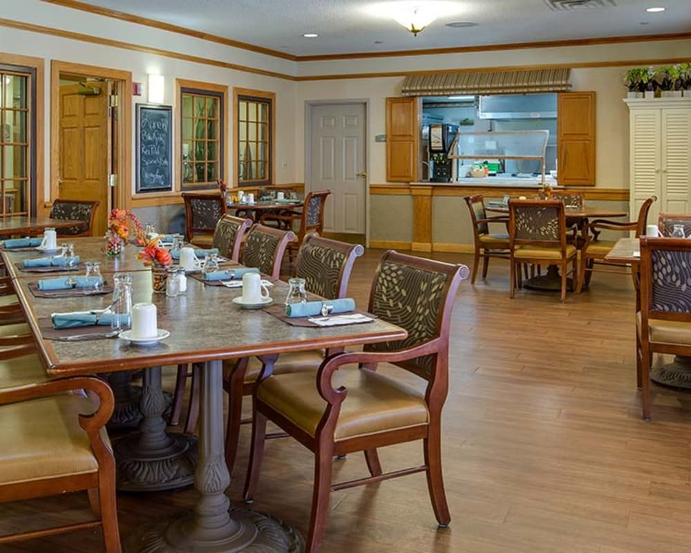 Dining area at Waldron Place Senior Living in Hutchinson, Kansas