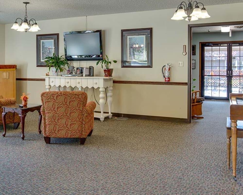 Cozy lounge area at Sabetha Manor in Sabetha, Kansas