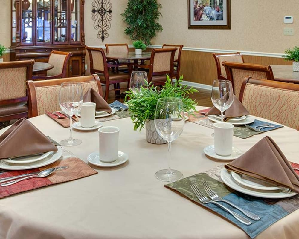 Well decorated dining area table at Parkwood Meadows Senior Living in Sainte Genevieve, Missouri