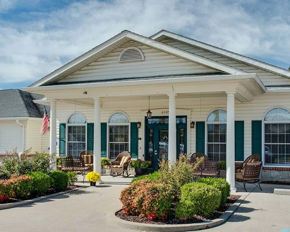 Front entrance at Lakewood Senior Living in Springfield, Missouri