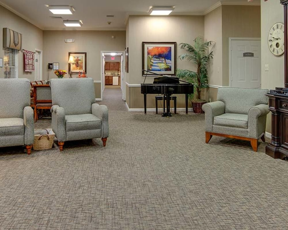 Cozy entertainment area at Dogwood Pointe in Milan, Tennessee