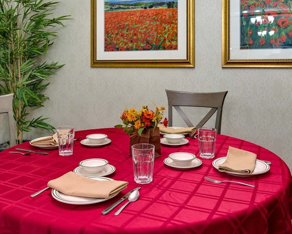 Well decorated dining area table at Celebration Way in Shelbyville, Tennessee