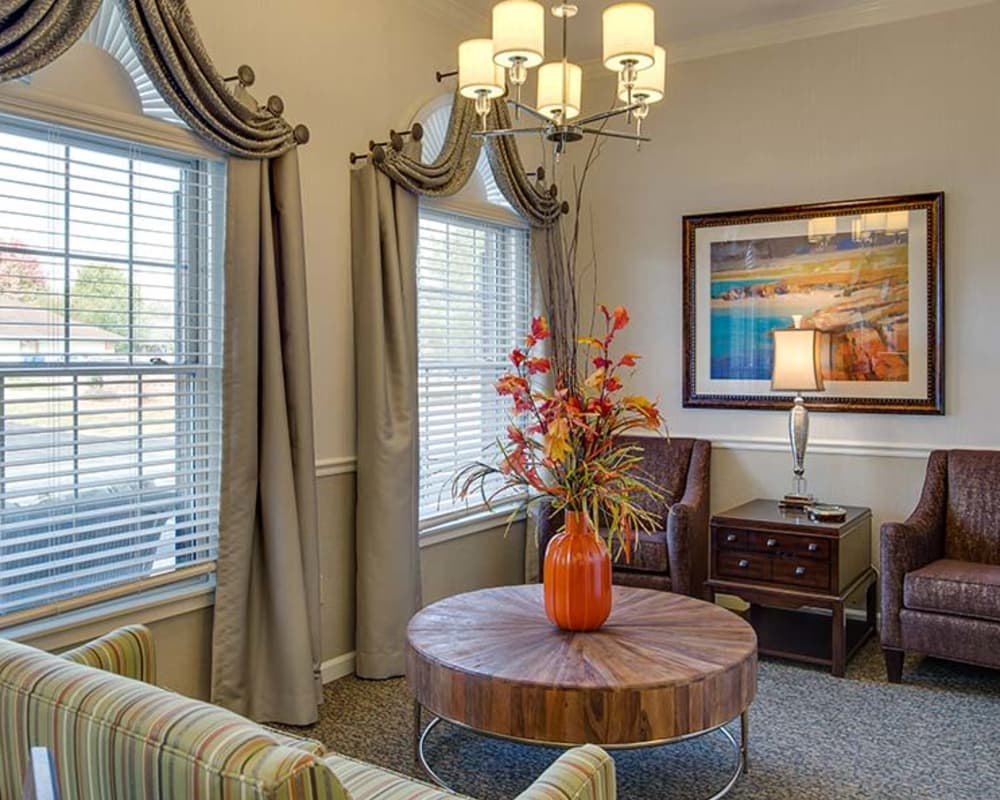 Cozy community lounge at Bradford Court in Nixa, Missouri