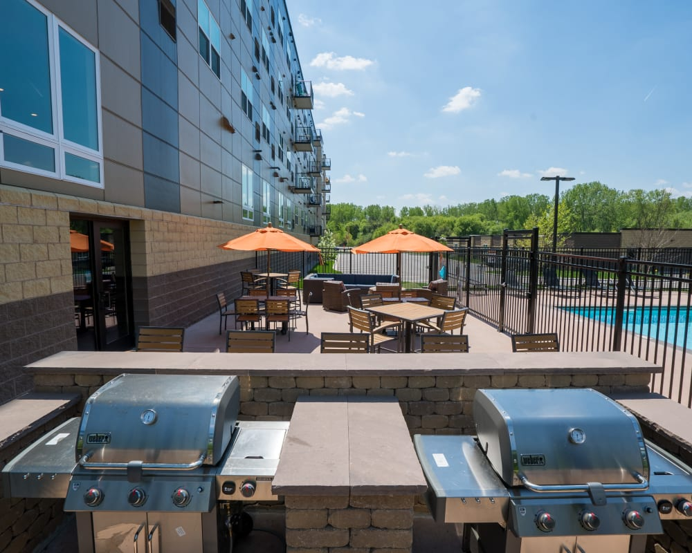 Outdoor patio and barbecue at Berkshire Central in Blaine, Minnesota