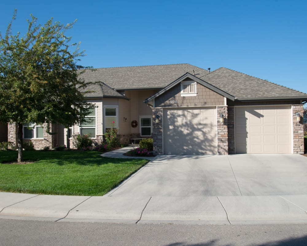 Independent living cottage exterior at Touchmark at Meadow Lake Village in Meridian, Idaho