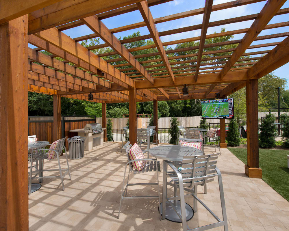Outdoor patio at Vargos on the Lake in Houston, Texas