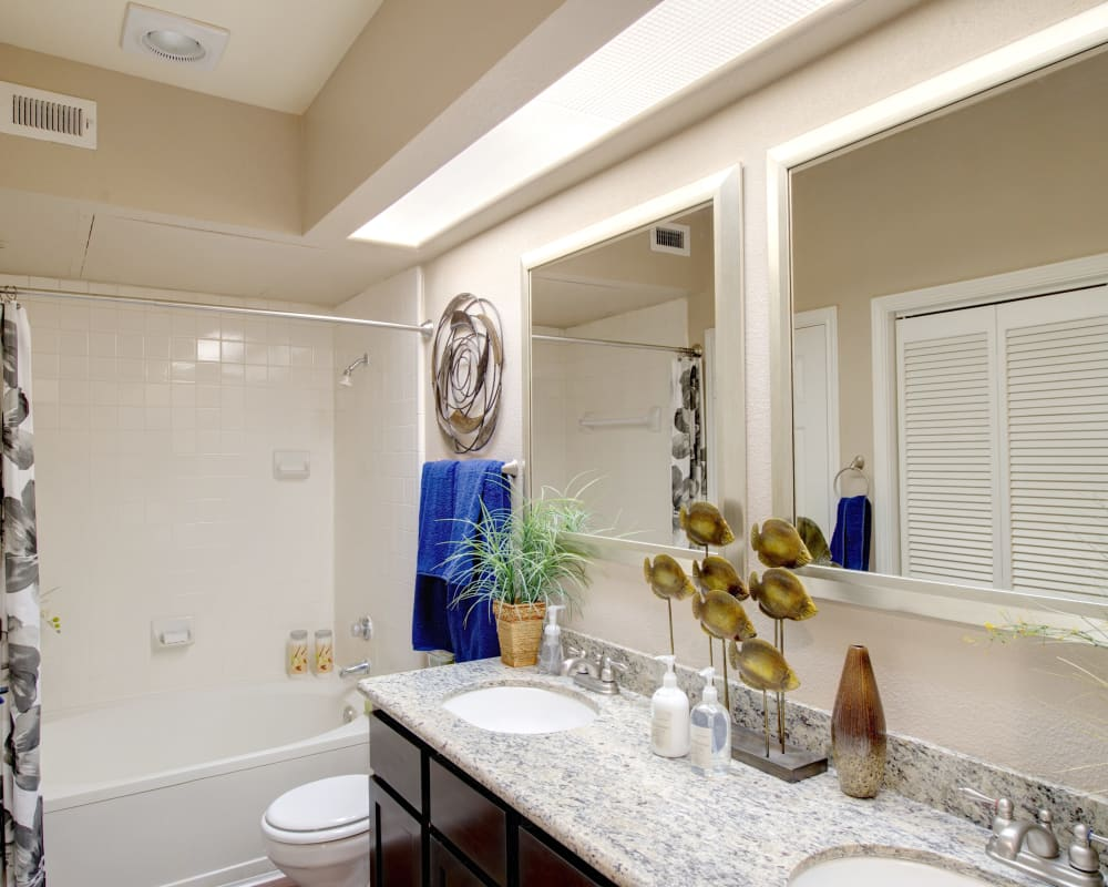Bright, spacious bathroom at Greenbriar Park in Houston, Texas