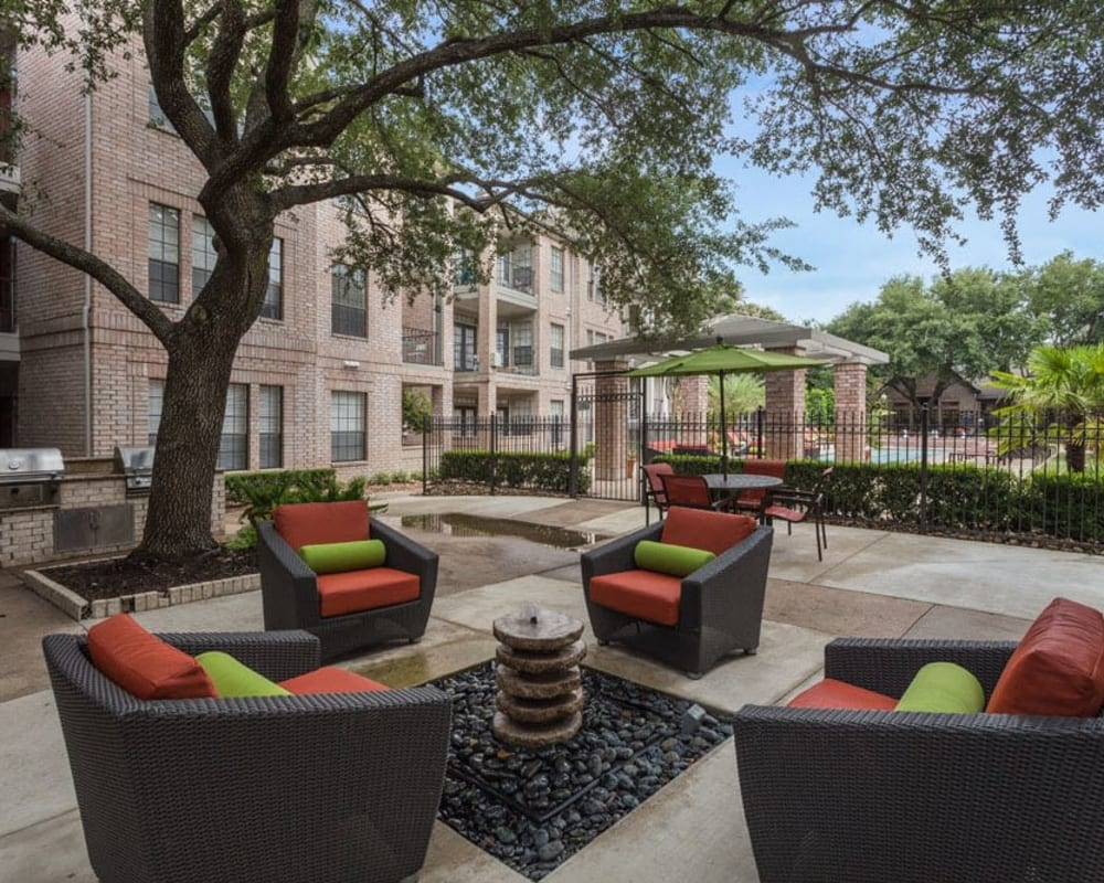 Patio seating outside Greenbriar Park in Houston, Texas