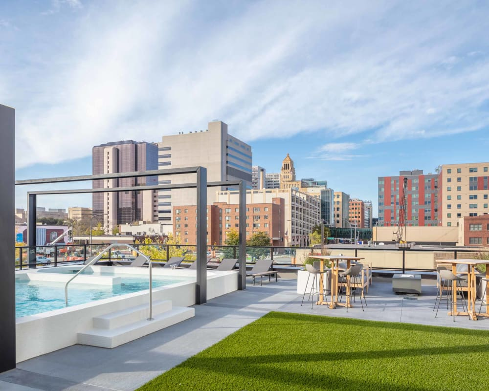 Rooftop pool at The Maven on Broadway in Rochester, Minnesota