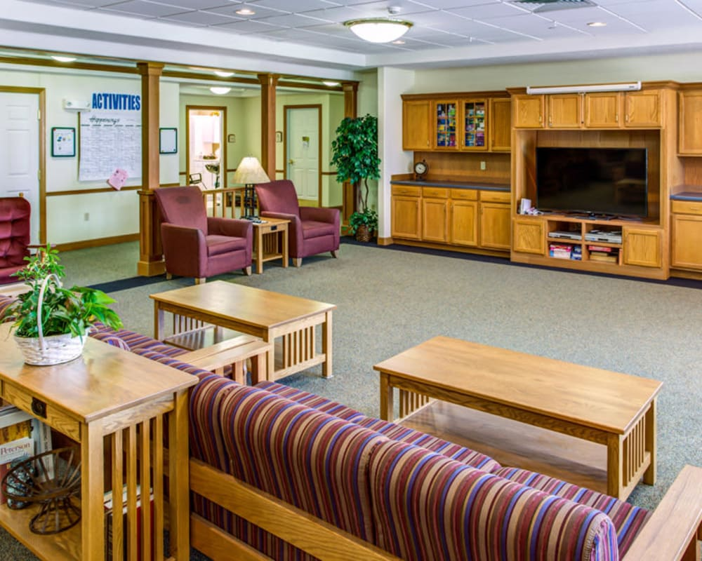 Spacious resident TV room at Prairie Hills Independence in Independence, Iowa.