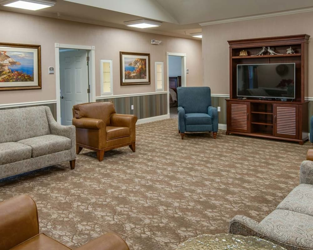 Memory care sitting room at Field Pointe Assisted Living in Saint Joseph, Missouri