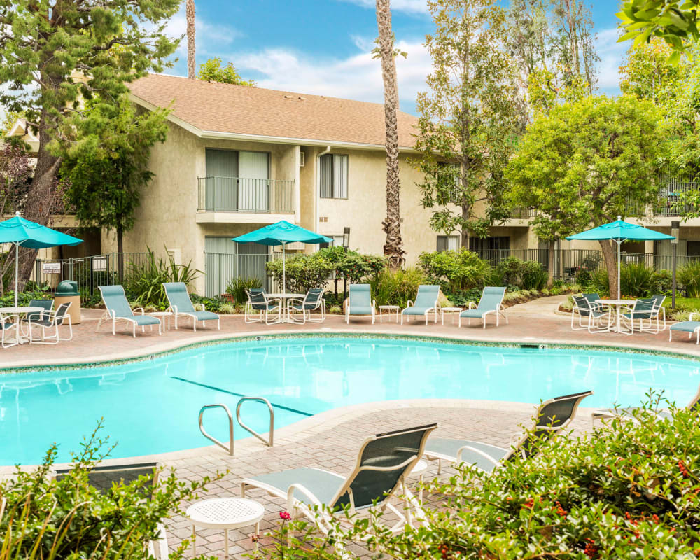 View a virtual tour of our resort-style year-round heated pool at Village Pointe in Northridge, California