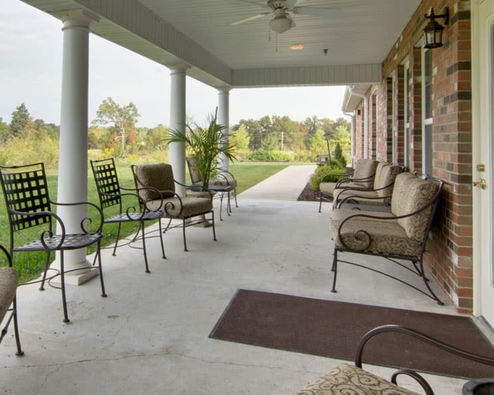 Porch seating at The Arbors at Dunsford Court in Sullivan, Missouri