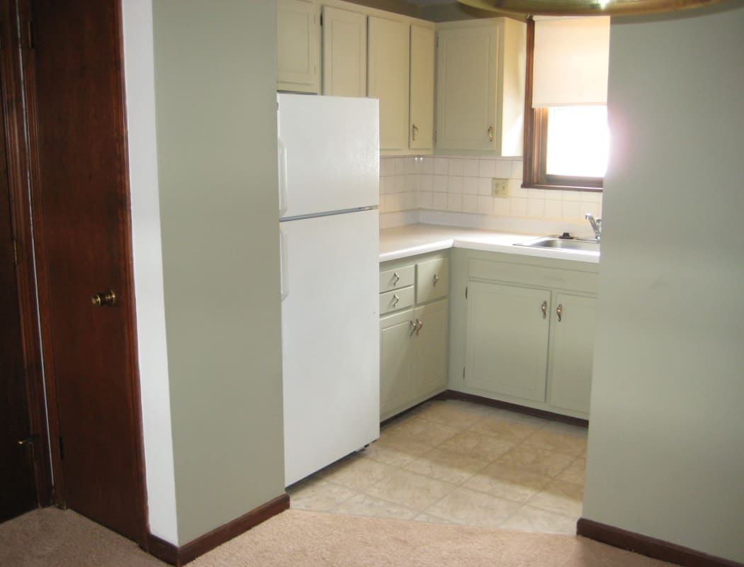 Van Deene Manor offers a fully equipped kitchen in West Springfield, MA