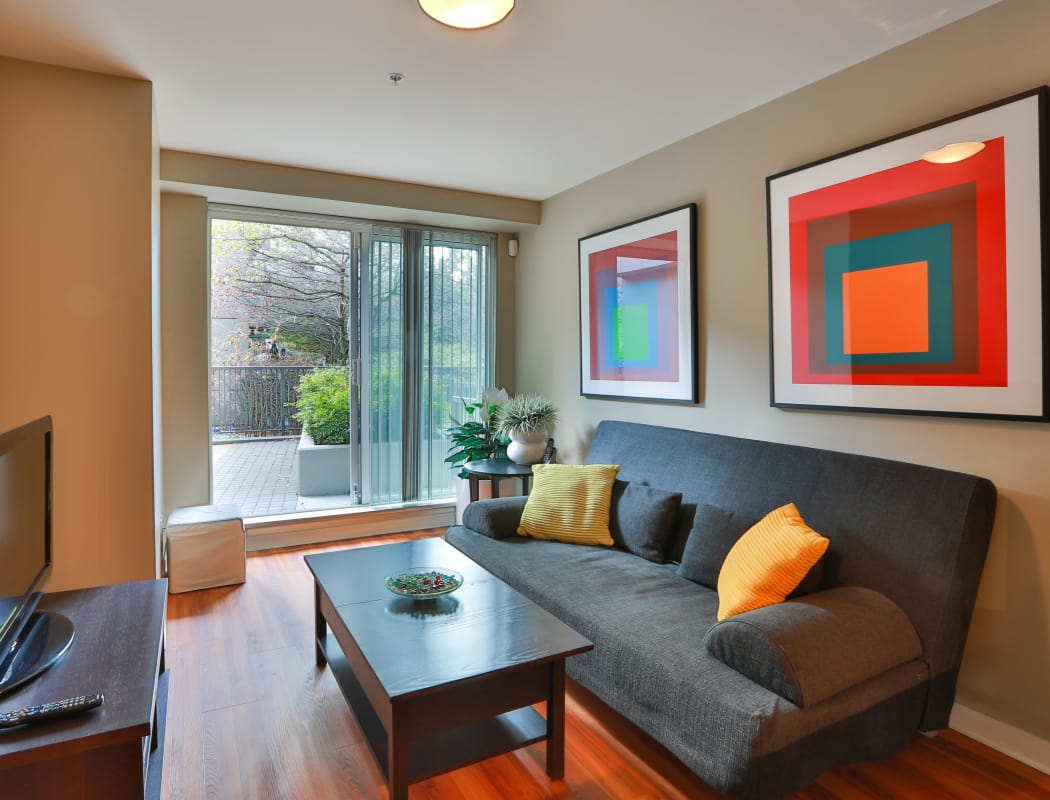 Luxury living room at Yaletown 939 in Vancouver, British Columbia