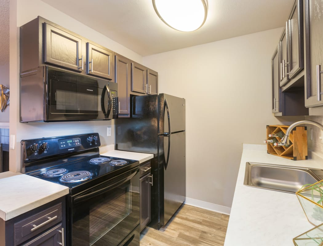 Beautiful apartment features await at The Preserve at City Center in Aurora