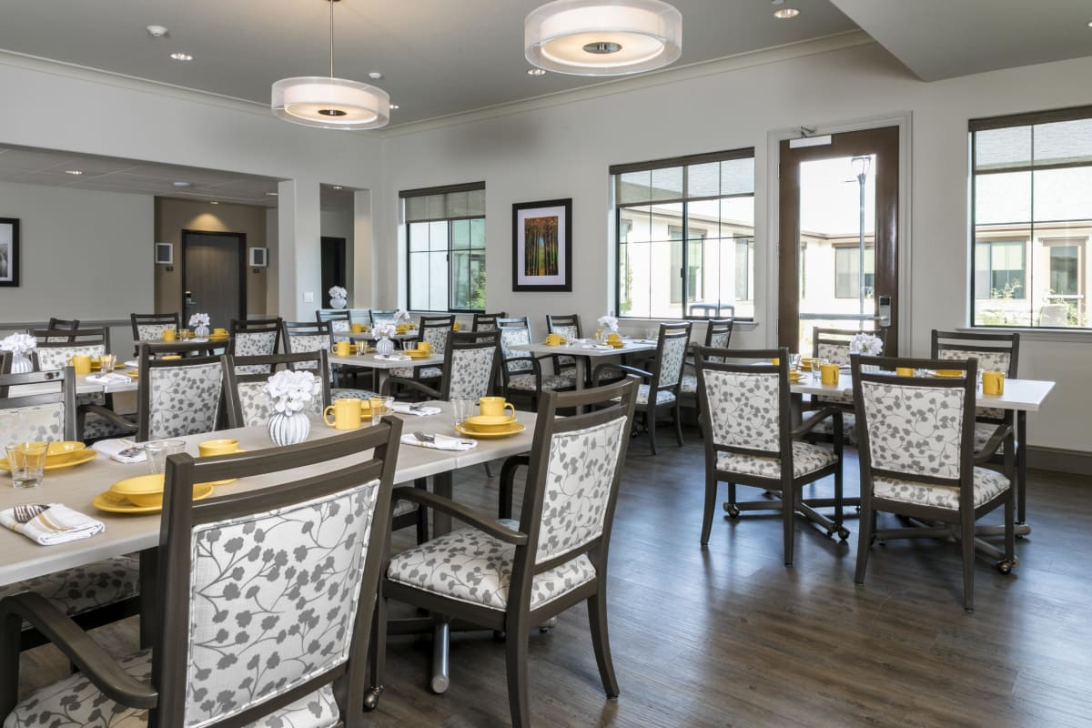 Spacious dining room at The Oaks at Nipomo in Nipomo, California