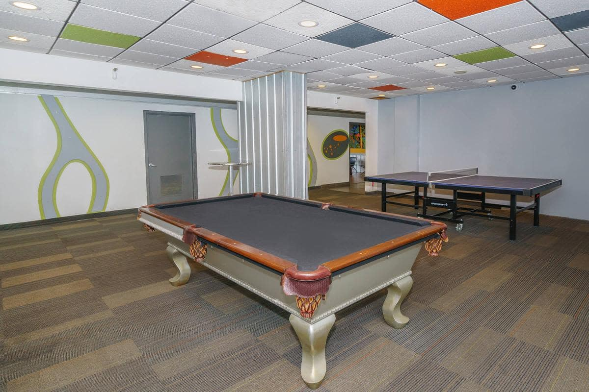 Urban Flats entertainment room with pool table and ping-pong