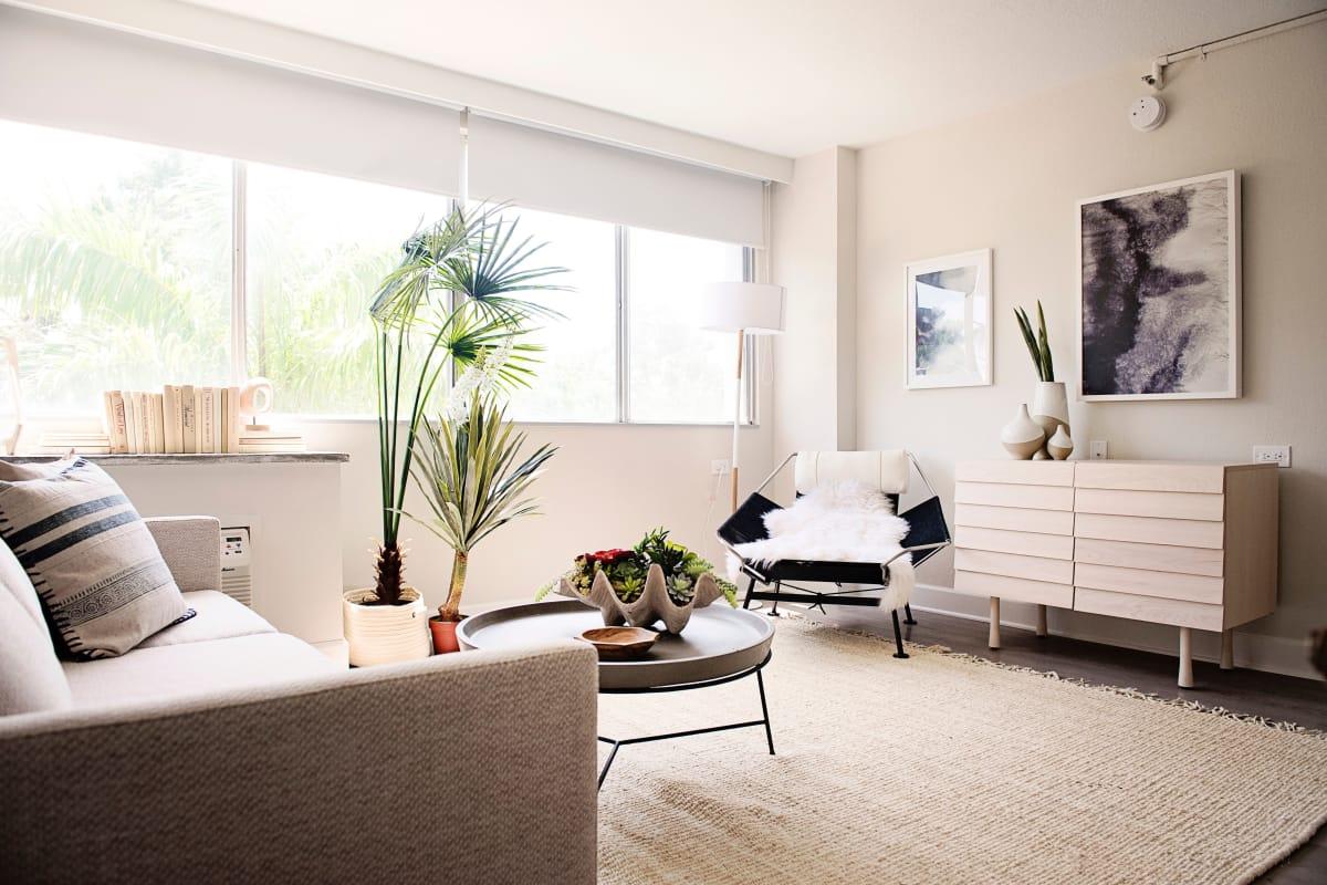 Urban Flats model bedroom with green bedsheets