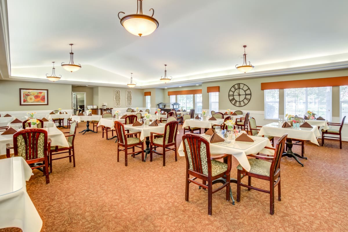 Beautiful dining room at Cottonwood Court in Fresno, California